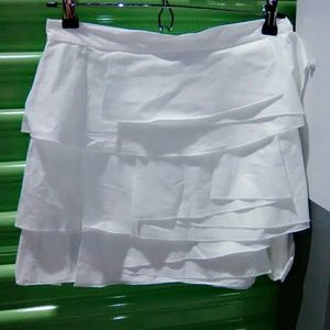 BCBGMaxAzria Skirts - BCBGMAXAZRIA White skirt with layered ruffles